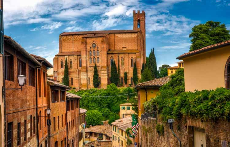 Monteriggioni Siena e San Gimignano Tour